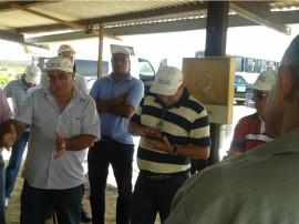 emater tecnicos recebem treinamento em petrolina de conservacao de agua e alimento animal 1 270x202 - Técnicos da Emater Paraíba recebem treinamento sobre reserva de água e alimentação animal