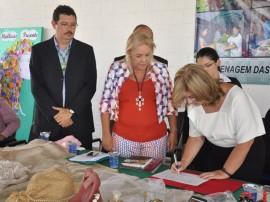 governadora encontro estadual da mulher rural fotos roberto guedes 43 270x202 - Governadora em exercício assina convênio que beneficiará mulheres rurais