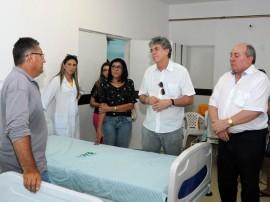 ricardo hospital regional de sousa foto jose marques 2 270x202 - Ricardo entrega leitos elétricos ao Hospital Regional e beneficia moradores da região de Sousa