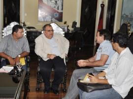 romulo recebe prefeitos sume amparo foto walter rafael 31 270x202 - Rômulo Gouveia discute parcerias com prefeitos do Cariri e Sertão