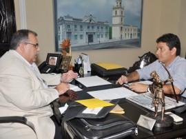 romulo prefeito condado caio paixao 2 270x202 - Rômulo recebe prefeitos e convida para lançamento do Pacto Social 2014