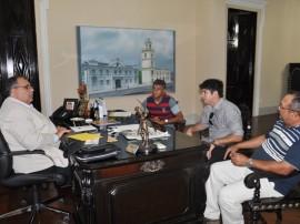 romulo prefeito duas estradas fabio 2 270x202 - Rômulo recebe prefeitos e convida para lançamento do Pacto Social 2014