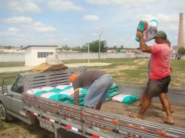 sementes 11 270x202 - Governo inicia distribuição de sementes no Sertão