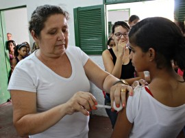 ses inicio de vacinacao de hpv em alagoinha foto ricardo puppe 21 270x202 - Campanha de vacinação contra HPV começa com boa procura