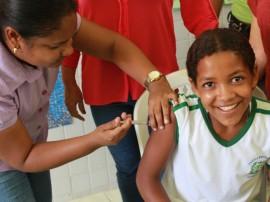 ses inicio de vacinacao de hpv em alagoinha foto ricardo puppe 3 270x202 - Campanha de vacinação contra HPV começa com boa procura