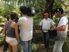 14.04.14 tv alema em sousa fotos secom 2 270x202 - Cultura do coco das Várzeas de Sousa será destaque na Europa