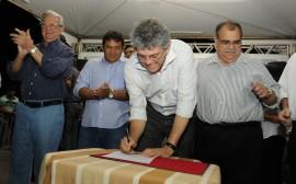 CAIÇARA 17 270x168 - Ricardo autoriza rejuvenescimento da PB-089 e beneficia 30 mil pessoas