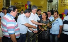 OD PATOS 91 270x168 - Ricardo autoriza obras, assina protocolos e libera créditos em Patos