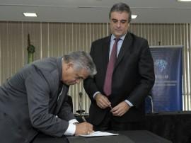 sec de seguranca e ministro jose eduardo cardoso brasilia1 270x202 - Governo do Estado assina acordo para implantar Laboratório contra Lavagem de Dinheiro