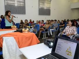 "see projeto de praticas alimentares na escola foto sergio cavalcanti 2 270x202 - Secretaria da Educação lança projeto ""Práticas Alimentares na Escola"""