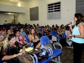 "see projeto de praticas alimentares na escola foto sergio cavalcanti 5 270x202 - Secretaria da Educação lança projeto ""Práticas Alimentares na Escola"""