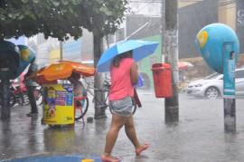 05.05.14 CHUVA FOTOS WALTER RAFAEL 4 270x179 - Previsão indica chuva no Litoral, Brejo e Agreste nas próximas 24 horas