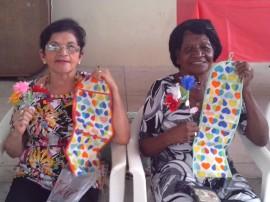 12.05.14 centro social urbano mandacaru realiza  dia das maes 6 270x202 - Centro Social Urbano de Mandacaru comemora Dia das Mães com grupo de idosos