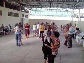 12.05.14 centro social urbano mandacaru realiza  dia das maes 7 270x202 - Centro Social Urbano de Mandacaru comemora Dia das Mães com grupo de idosos