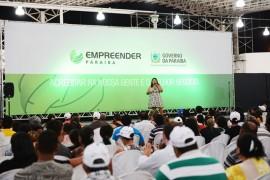 16.05.14 atendimentos liberado credito feira empreender 2 270x180 - Governo do Estado libera R$ 200 mil e atende 700 na Feira do Empreendedor