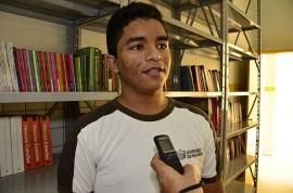 17.05.14 aluno emerson sales fotos alberi pontes 270x178 - Governo do Estado inaugura escola na cidade de Baraúna