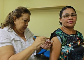 FOTO Ricardo Puppe vacina21 270x192 - Governo do Estado inicia campanha de vacinação contra gripe para funcionários da saúde