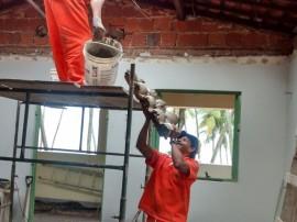 Homens trabalhando Museu 270x202 - Governo do Estado recupera Casa de José Américo