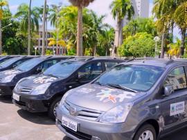 PACTO SOCIAL ENTREGA DE VEICULOS 3 270x202 - Governo do Estado entrega veículos utilitários do Pacto Pelo Desenvolvimento Social