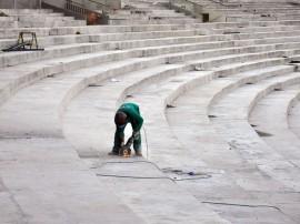 almeidao obras foto francisc o frança 159 270x202 - Governo do Estado inspeciona obras do Centro de Convenções e Almeidão