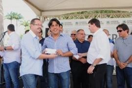 campina grande entrega de cheques 19 270x179 - Comerciantes e comunicadores recebem créditos em Campina Grande