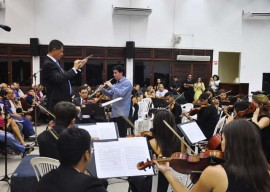 ospb faz concerto na presbiteriana foto walter rafael 14 270x192 - Casa cheia marca a abertura da temporada 2014 da Orquestra Jovem