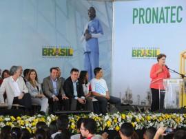 presidente dilma PRONATEC foto jose marques 12 270x202 - Dilma e Ricardo entregam certificados do Pronatec a 1200 estudantes paraibanos