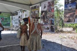 ndios feira artesanato 270x179 - Governo promove intercâmbio cultural de artesanato com Indígenas Potiguaras em Campina Grande