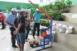 09.06.14 agricultores sousa aprendem combater praga coco 3 270x179 - Agricultores aprendem a combater praga do coco em Jornada de Inclusão