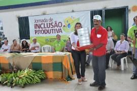 09.06.14 agricultores sousa aprendem combater praga coco 71 270x179 - Agricultores aprendem a combater praga do coco em Jornada de Inclusão