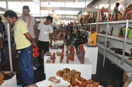 30.06.14 emater leva grupo indgenas trocar experiencia 4 270x179 - Governo leva grupo de indígenas para troca de experiências com artesãos