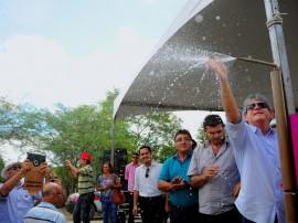 inauguracao distribuicao de agua em malhada distrito de queimadas foto jose marques 51 270x202 - Governo do Estado inaugura sistema de abastecimento de água do distrito Malhada Grande