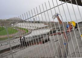 reforma almeidao fotos francisco franca 1 270x192 - Duzentos operários trabalham na reforma do Estádio Almeidão