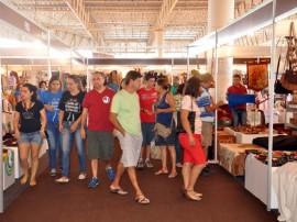salaoartesanato5 270x202 - Turistas aumentam vendas no Salão do Artesanato em Campina Grande