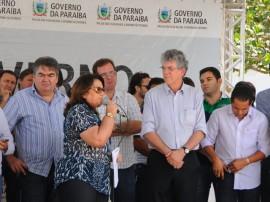 MASSARANDUBA ORDEM DE SERVICO foto jose marques 21 270x202 - Governo inaugura adutora que levará água para mais de 10 mil pessoas