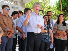 MASSARANDUBA ORDEM DE SERVICO foto jose marques 4 270x202 - Governo inaugura adutora que levará água para mais de 10 mil pessoas