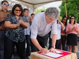 MASSARANDUBA ORDEM DE SERVICO foto jose marques 6 270x202 - Governo inaugura adutora que levará água para mais de 10 mil pessoas