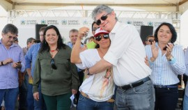 campina grande casas2 portal 270x158 - Governo entrega casas e beneficia mais de 1,6 mil pessoas em Campina Grande
