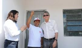 campina grande entrega de casas 27 portal 270x158 - Governo entrega casas e beneficia mais de 1,6 mil pessoas em Campina Grande