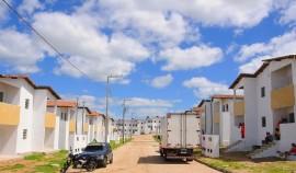 campina grande entrega de casas 32 portal 270x158 - Governo entrega casas e beneficia mais de 1,6 mil pessoas em Campina Grande