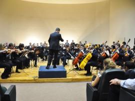 28.08.14 funesc orquestra sinfonica fotos walter rafael 34 270x202 - Orquestra Sinfônica da Paraíba realiza concerto com maestro convidado