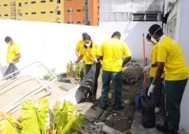 21.11.14 acao dengue clementino fotos walter rafael 11 270x192 - Clementino Fraga realiza Mutirão de Limpeza para combater a dengue