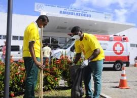 21.11.14 acao dengue clementino fotos walter rafael 24 270x192 - Clementino Fraga realiza Mutirão de Limpeza para combater a dengue