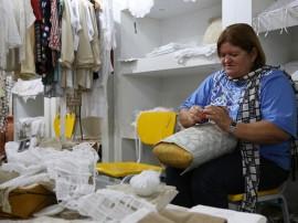 DORINHA ARTESÃ 270x202 - Artesã paraibana apresentará renda renascença nos Emirados Árabes