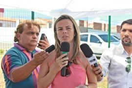 Diretora Carla Nogueira UPA FOTO Ricardo Puppe 270x180 - UPA de Cajazeiras atende mais de 50 mil pessoas em um ano de atividade