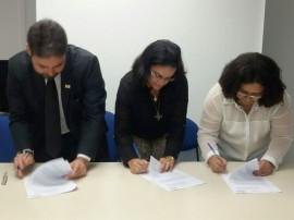 IMG 20141107 WA0009 270x202 - Conselho firma termo com Centro Dom Helder Câmara e Unicef para proteção integral