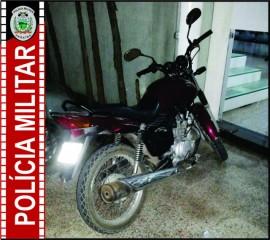 Moto Apreendida 1 270x240 - Polícia prende suspeito de roubo de moto na Capital