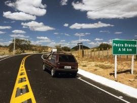 OD PB PEDRA BRANCA 11 270x202 - Governo do Estado entrega mais 25 obras rodoviárias até final do ano