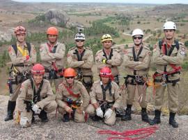 bombeiros fazem treinamento de salvamento em altura 4 270x202 - Bombeiros fazem treinamento de salvamento em altura na 'Pedra da Boca'