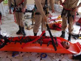 bombeiros fazem treinamento de salvamento em altura 71 270x202 - Bombeiros fazem treinamento de salvamento em altura na 'Pedra da Boca'
